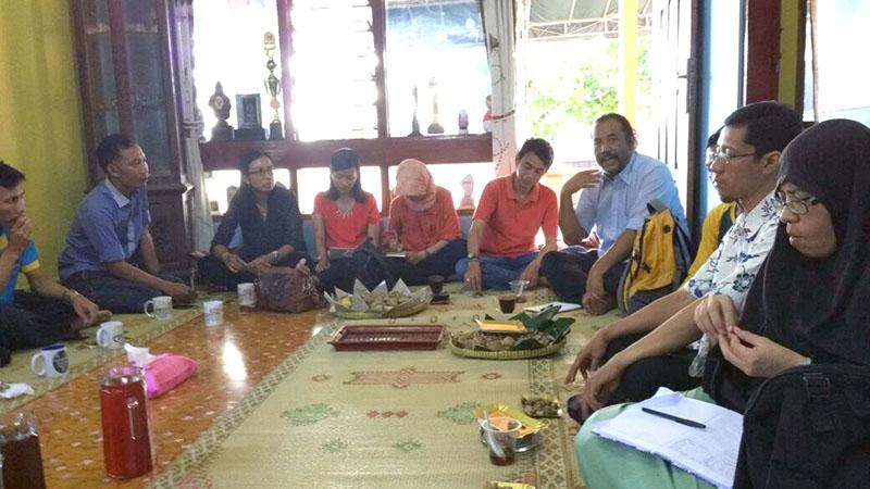 http://www.kebijakanaidsindonesia.net/images/diskusikultural/Diskusi_Kultural_TOP_01